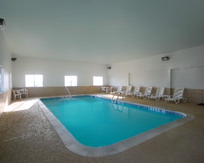 Indoor Pool 9 of 19