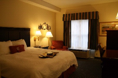 King Bedded Room 8 of 10