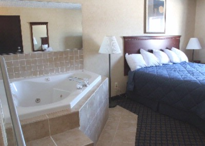 King Bed Jacuzzi Suite 12 of 19