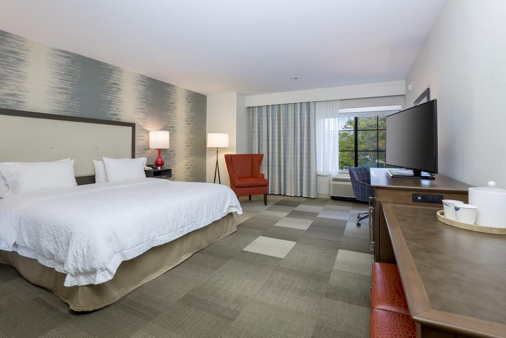 Guests Will Find Exceptional Amenities Furing Their Stay At Our Goleta Hotel 5 of 16