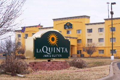 Quality Inn & Suites East Laquinta Exterior