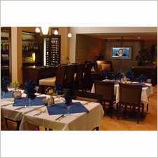 Doubletree Hotel Alpharetta-Windward Savannah\'s Restaurant 3 of 11
