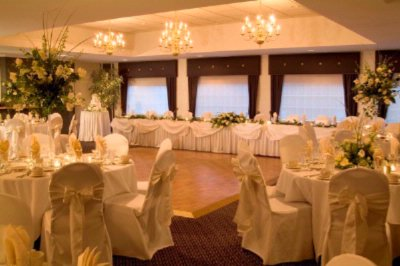 Highlander Ballroom Ideal For Weddings 6 of 13
