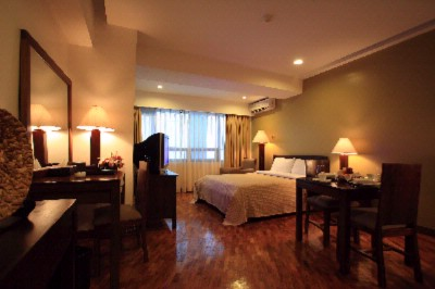 Studio Superior Room Comes With Queen Size Bed Dining And Kitchen Facilities 2 of 6