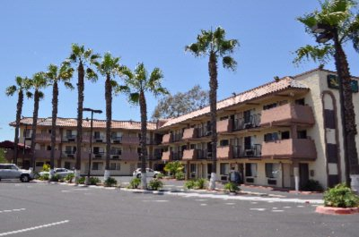 Quality Inn San Diego Southwestern Exterior With Palm Trees