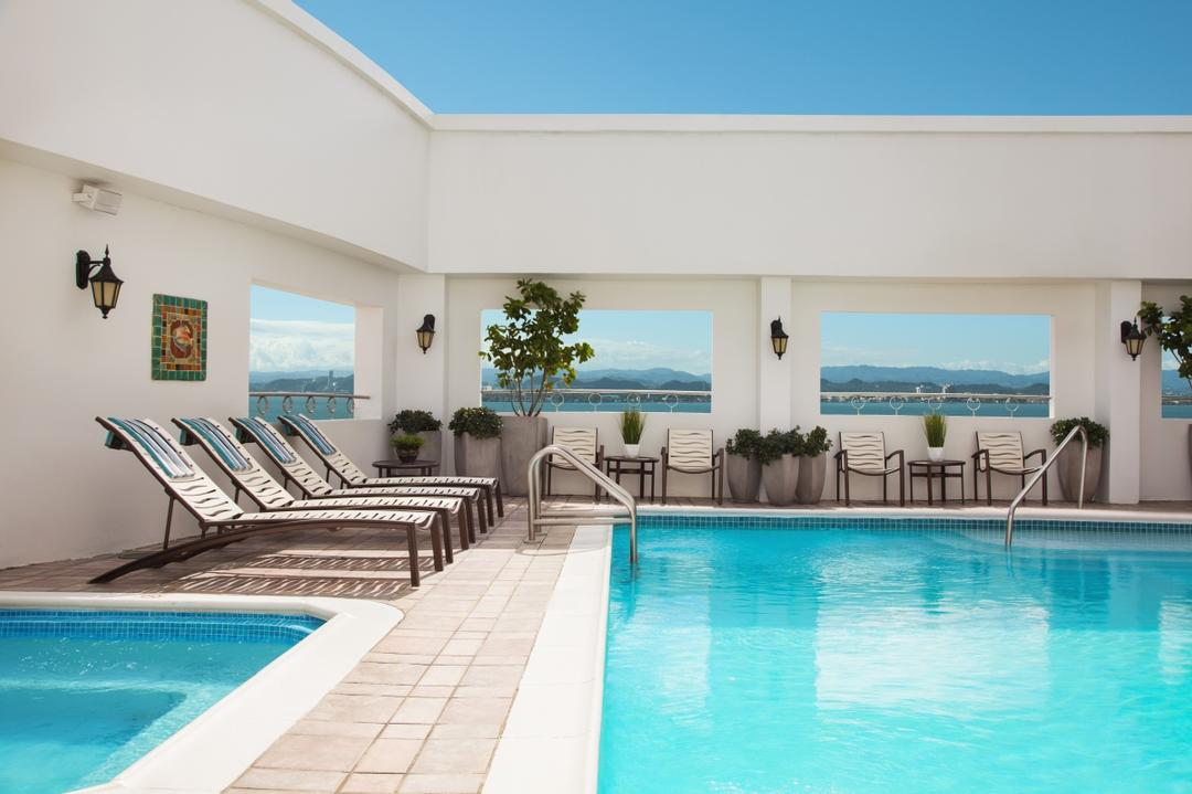 Rooftop Pool & Hot Tub 6 of 31