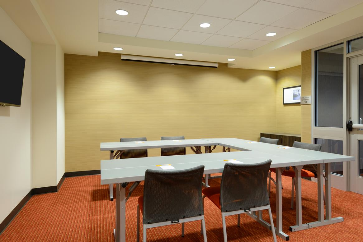 Canalside Meeting Room 14 of 31