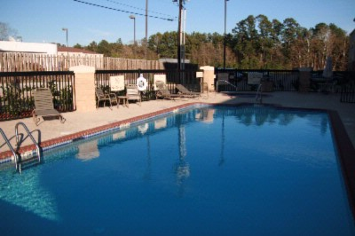 Outdoor Pool And Spa 7 of 8