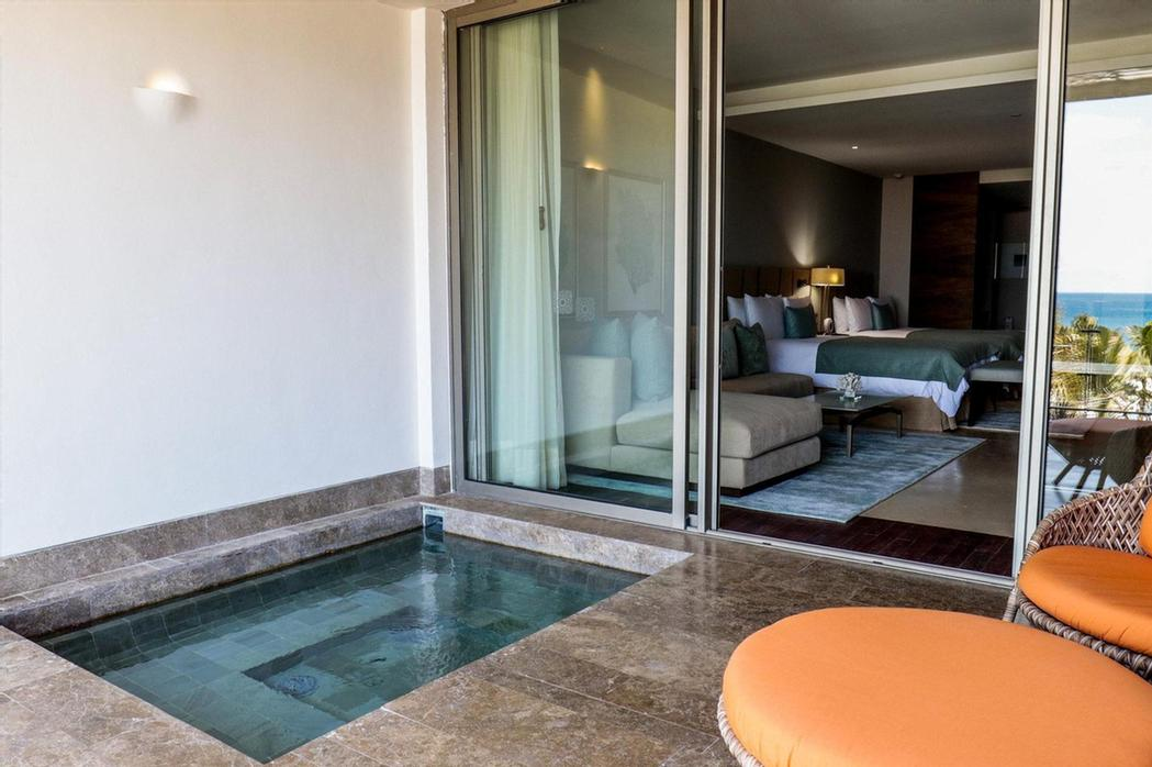 Ambassador Pool Suite -Private Plunge Pool On The Terrace – Living Area With Sofa – Bathroom With Jacuzzi – Step-In Shower – Butler Concierge 15 of 31