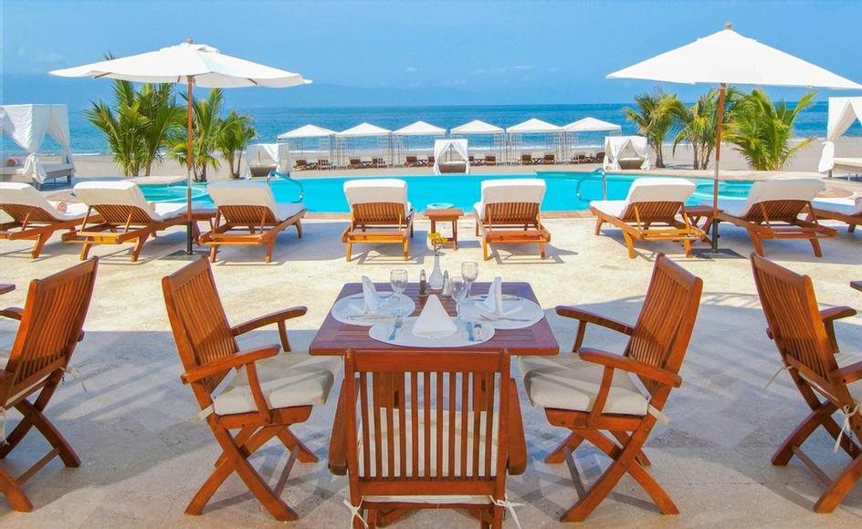 Ocean Club -Located At Casa Velas Ocean Club This Is An Open Air Restaurant Facing The Ocean. Menu Offers Asian Specialties And Local Favorites. Enjoy These Delicacies Either In The Terrace Sitting Area Or In The Comfort Of Your Beach Lounger. 13 of 31