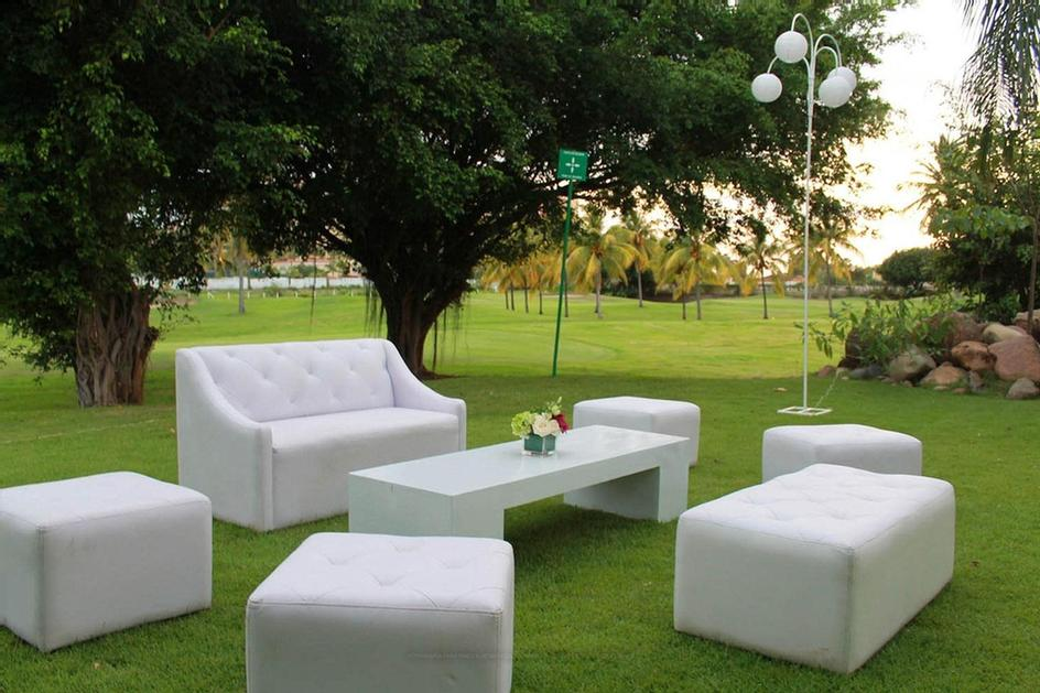 Casa Velas -Salon Garden Location:garden Located In Front The Casa Velas Salon With Golf Course View. Characteristics: Tables Arranged On Lawn Suggested Time: 7:00 Am To 11:00 Pm Event: Breakfast Lunch Cocktail Reception Dinner 21 of 31