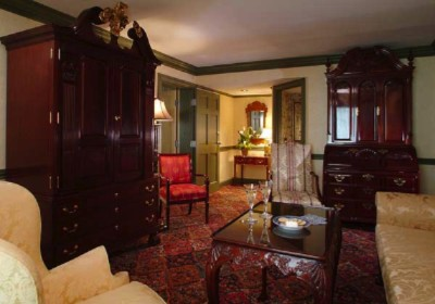 Winterthur Suite Parlor 6 of 10