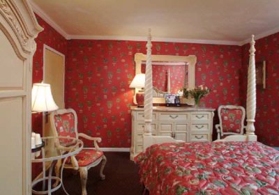 Country French Red Boudoir 8 of 10