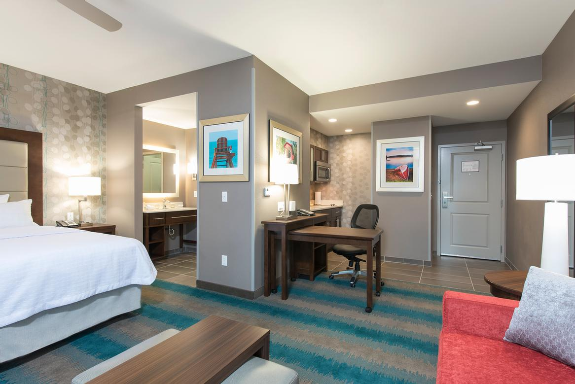 Spacious Suite 4 of 5