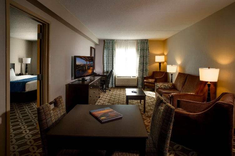 Ask About Our King Room Suites With Pullout Sofabeds For Extra Sleeping Arrangements! 10 of 12
