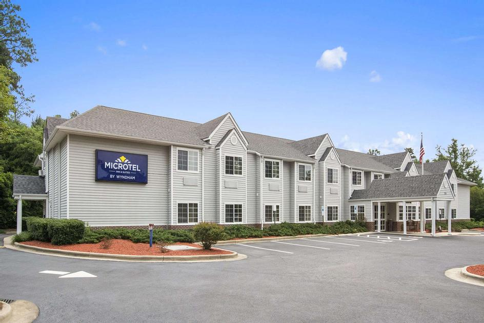 Microtel Inn & Suites by Wyndham Southern Pines 1 of 10