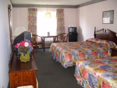 Standard Double Room 8 of 10