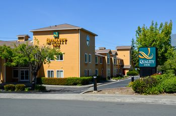 Comfort Inn Vallejo 1 of 15