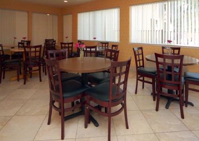 Enjoy Breakfast In This Seating Area 14 of 15