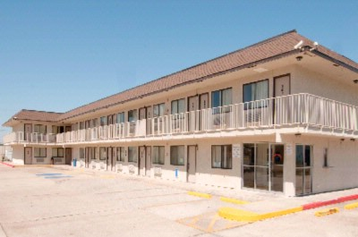 Americas Best Value Inn & Suites Groves / Port Arthur 1 of 9