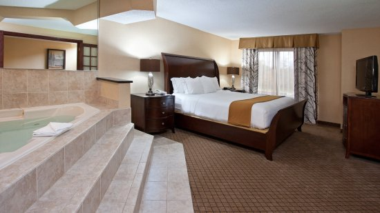 Holiday Inn Express & Suites 16 of 16
