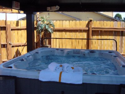 Hot Tub Area 10 of 11