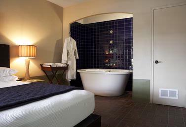 Garden Suite With Soaking Tub 7 of 16
