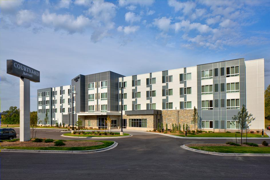 Courtyard by Marriott Appleton Riverfront 1 of 7