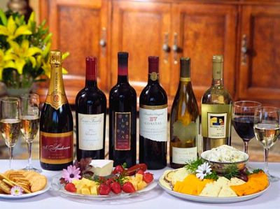 Daily Complimentary Wine And Cheese Tasting. 3 of 19