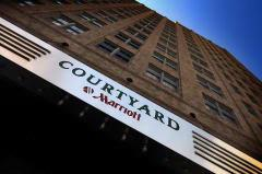 Courtyard Fort Worth Downtown / Blackstone 1 of 7