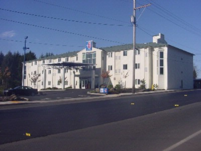 Motel 6 4172 Lincoln City Oregon 1 of 7