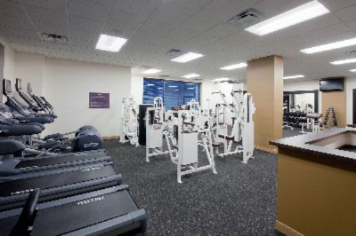 A 1400 State Of The Art Fitness Facility With Personal Trainer Onsite 6 of 10
