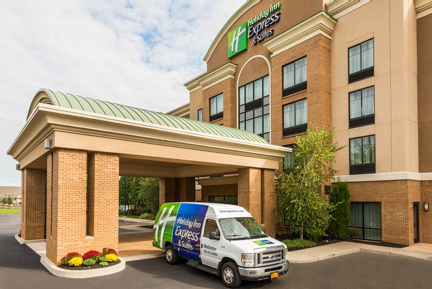 Holiday Inn Express Hotel & Suites Webster Ny 1 of 15