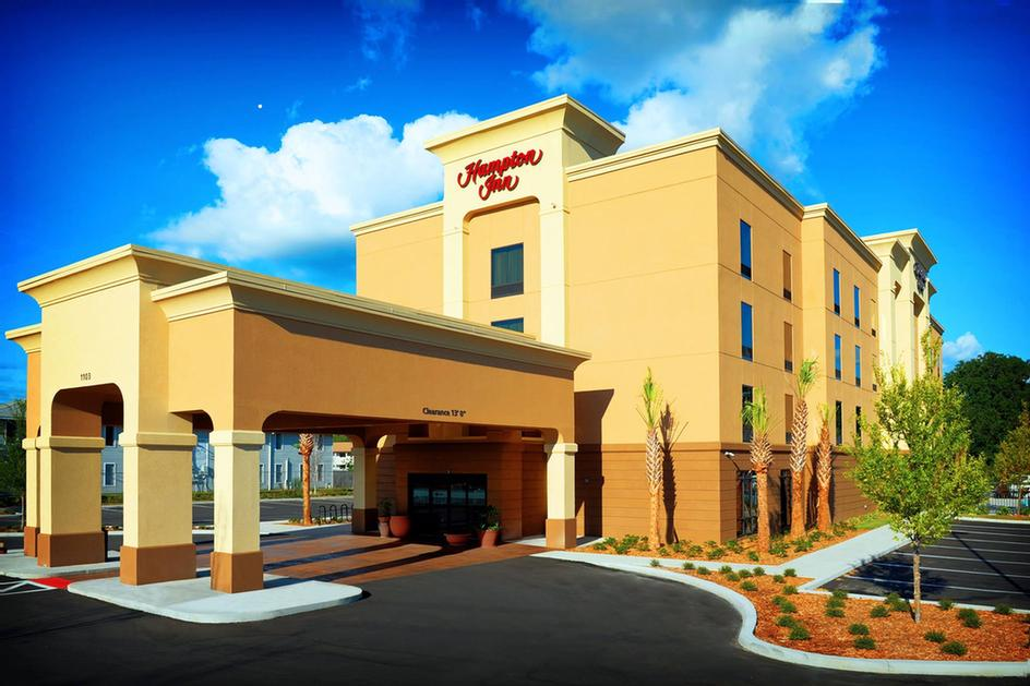 The Hampton Inn Crystal River Is Waiting To Welcome You To Your 2 of 2