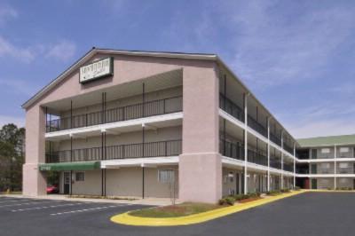 Motel 6 Greenville 2017 Wade Hampton Blvd Sc 29615