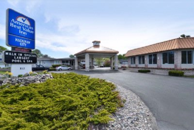 Americas Best Value Inn of Mackinaw City 1 of 11