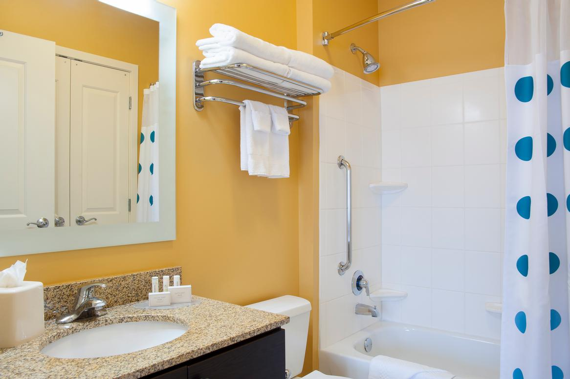 King Studio Bathroom 3 of 13