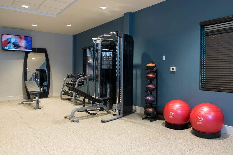 Fitness Room 12 of 25