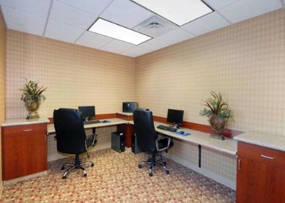 Work Comfortably In Our 24 Hour Business Center 4 of 16