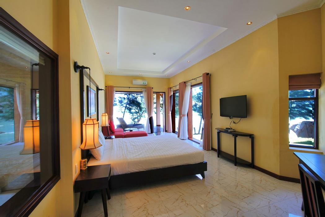 Suite Room (2.500.000 Vnd / Per Night) 12 of 24