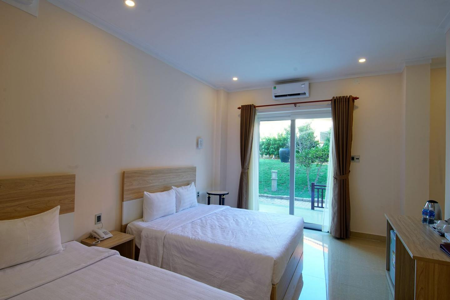 Building 02 Double Bed (1.200.000 Vnd/per Night) 21 of 24