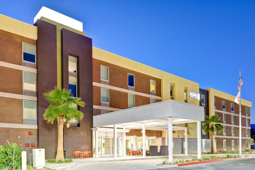 Home2 Suites by Hilton Azusa 1 of 15