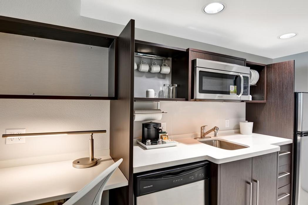 King Suite Kitchenette 8 of 15