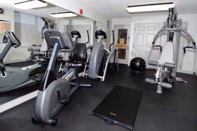 Fitness Room 7 of 24