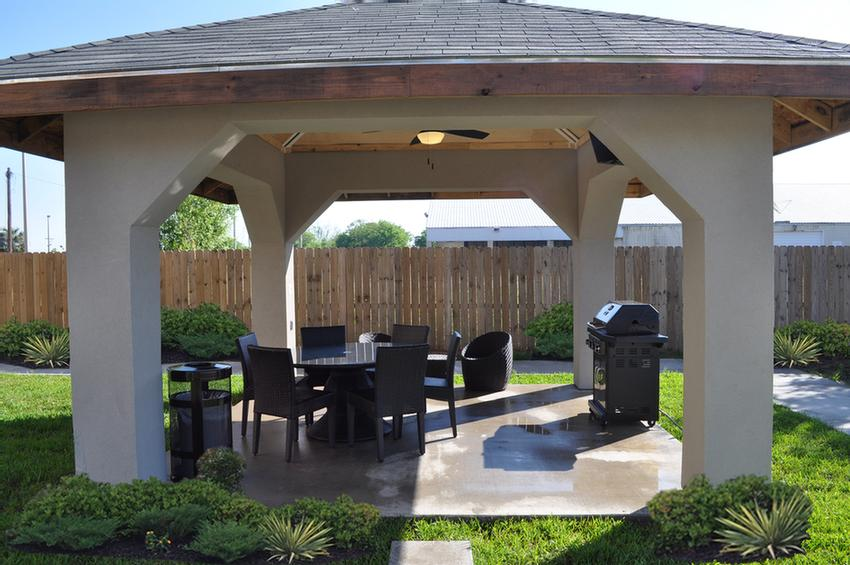 Double Gazebo With Grills & Satellite Tv 6 of 16