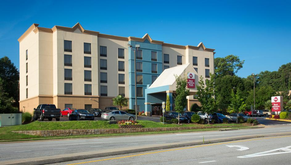 Best Western Plus & Suites Atlanta Airport South 3 of 17