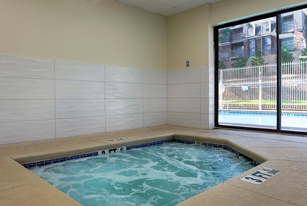 Indoor Hot Tub 5 of 17