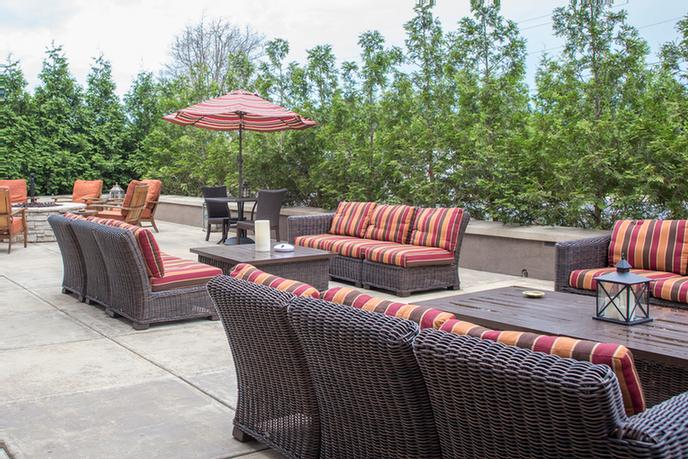 Outdoor Patio With Fire Pit Seating 6 of 16