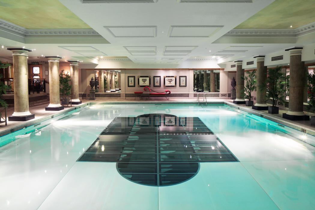 Indoor Swimming Pool 3 of 10