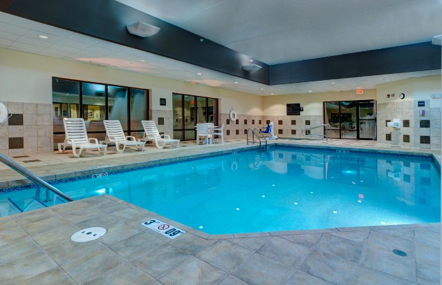 Heated Indoor Swimming Pool & Hot Tub 6 of 11
